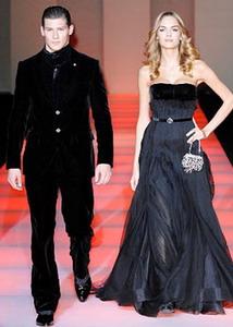 Armani Общий стиль в одежде мужской одежды 2009 тяготеет к английскому...