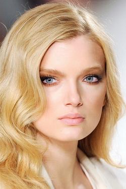Женские причёски: три самых модных цвета 2010 года