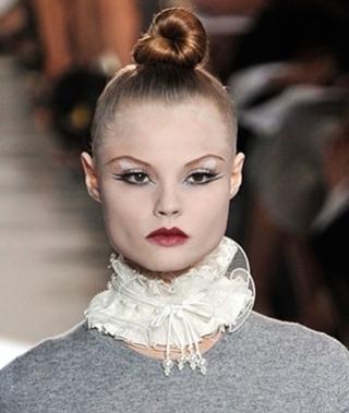Модный летний макияж: белый цвет
