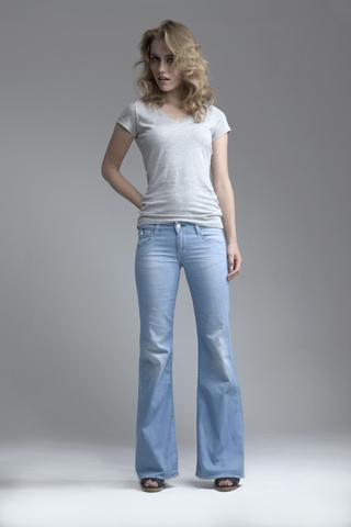С чем надеть джинсы этим летом