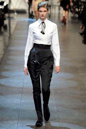 Актуально: брюки с завышенной талией