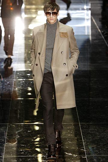 Модные мужские плащи и пальто