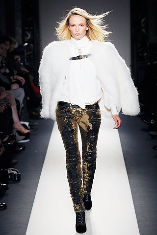 Модные меховые аксессуары зима 2011