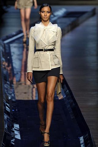 Самые модные куртки наступающей весны 2011