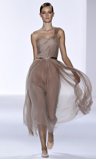 Модный тренд наступающего лета 2011 – макси длина