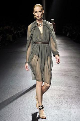 Модные шифоновые платья лета 2011