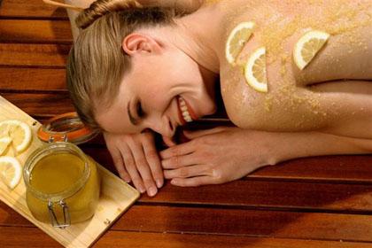 Медовый массаж – модно и полезно