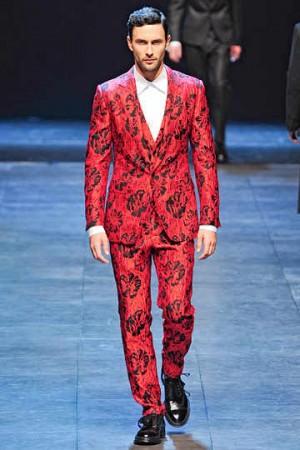 1317762886 dolce gabbana mens suits fall 2011 male models 8 300x450 Чоловічий діловий костюм   актуальні тенденції