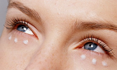 Зимний уход за кожей вокруг глаз