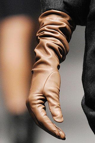 Модные перчатки весна 2012