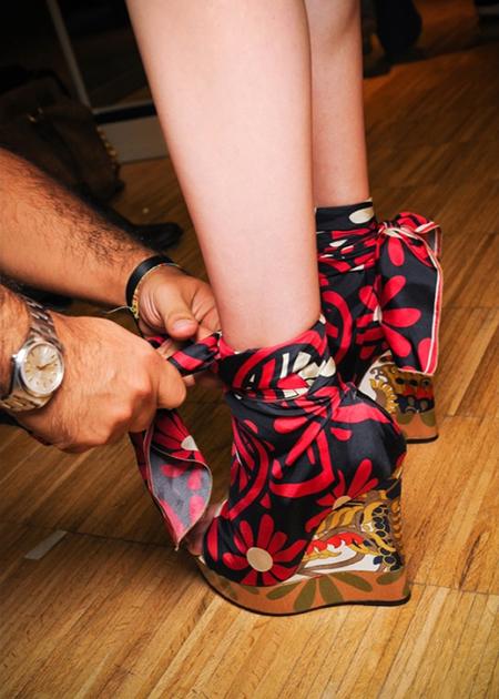 Модные босоножки лета 2012