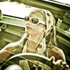 Правила выбора одежды для женщины за рулем