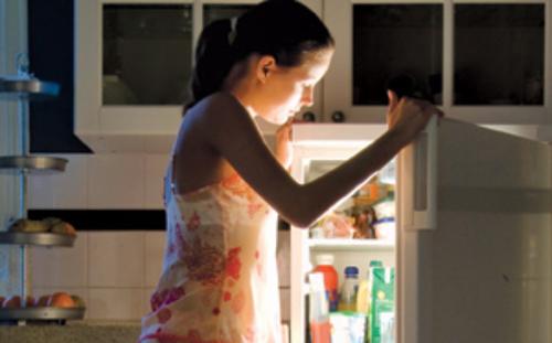 Как избавиться от привычки наедаться перед сном